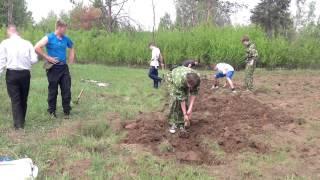 Военная практика по ОБЖ 10 класс. (копаем окопы)