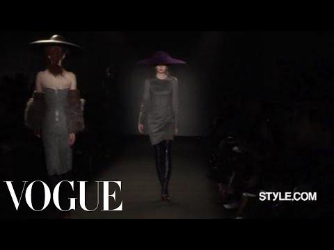 Fashion Show - Giles: Fall 2009 Ready-to-Wear