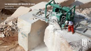 La lavorazione dei blocchi in cava