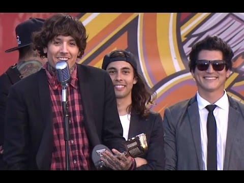 APMAs 2014: Bring Me The Horizon win Best International Band, presented by Pierce The Veil