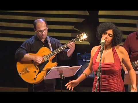 Sanny Alves canta Da Cor do Pecado