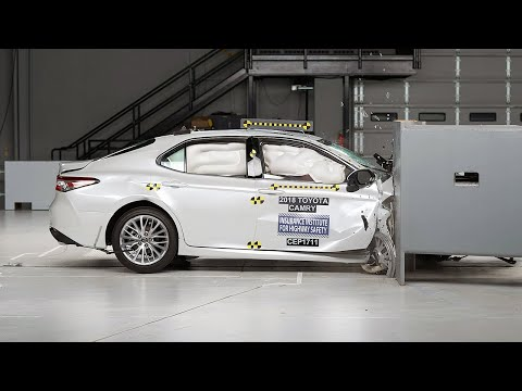 2018 Toyota Camry passenger-side small overlap IIHS crash test