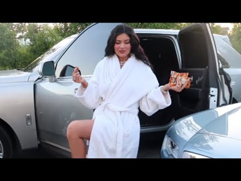 Small Details We Noticed In Kylie Jenner: A Day In The Life