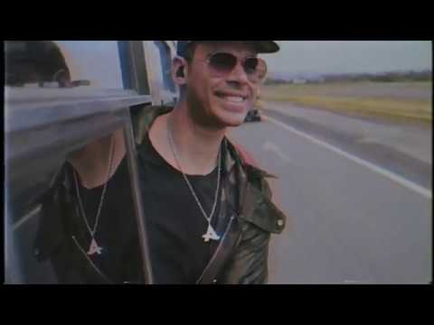Смотреть клип Afrojack - Bass Is Kicking