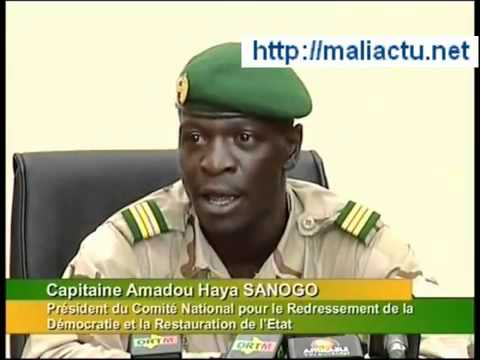 Mali   Conférence de Presse du Capitaine Sanogo du CNRDRE   YouTube#!