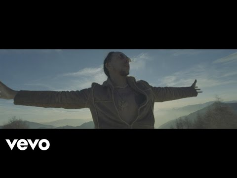 Laioung - Vengo dal basso ft. Guè Pequeno