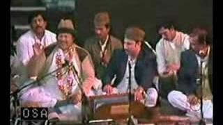 Nusrat Fateh Ali Khan Qawwal - Kamli Wale Muhammad - 2