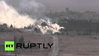 Вертолет Ка-52 атакует позиции боевиков ИГ в Сирии(Камера запечатлела, как вертолет Ка-52 наносит удары по позициям боевиков ИГ близ недавно освобожденного..., 2016-04-06T12:35:48.000Z)