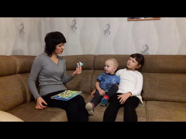 Изображение предпросмотра прочтения – ИринаСобкалова читает произведение «Сказка Репка» (Русский фольклор )