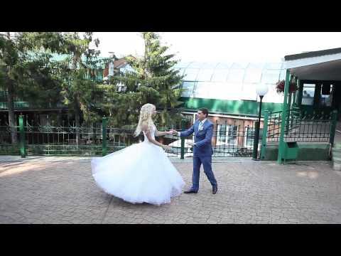 Видео, Не сложный и очень красивый свадебный танец Анатолия и Марии