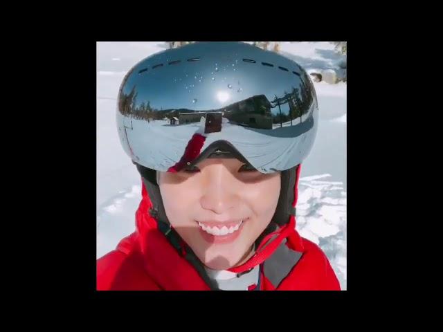 Vũ Cát Tường vi vu trượt tuyết ở Mỹ