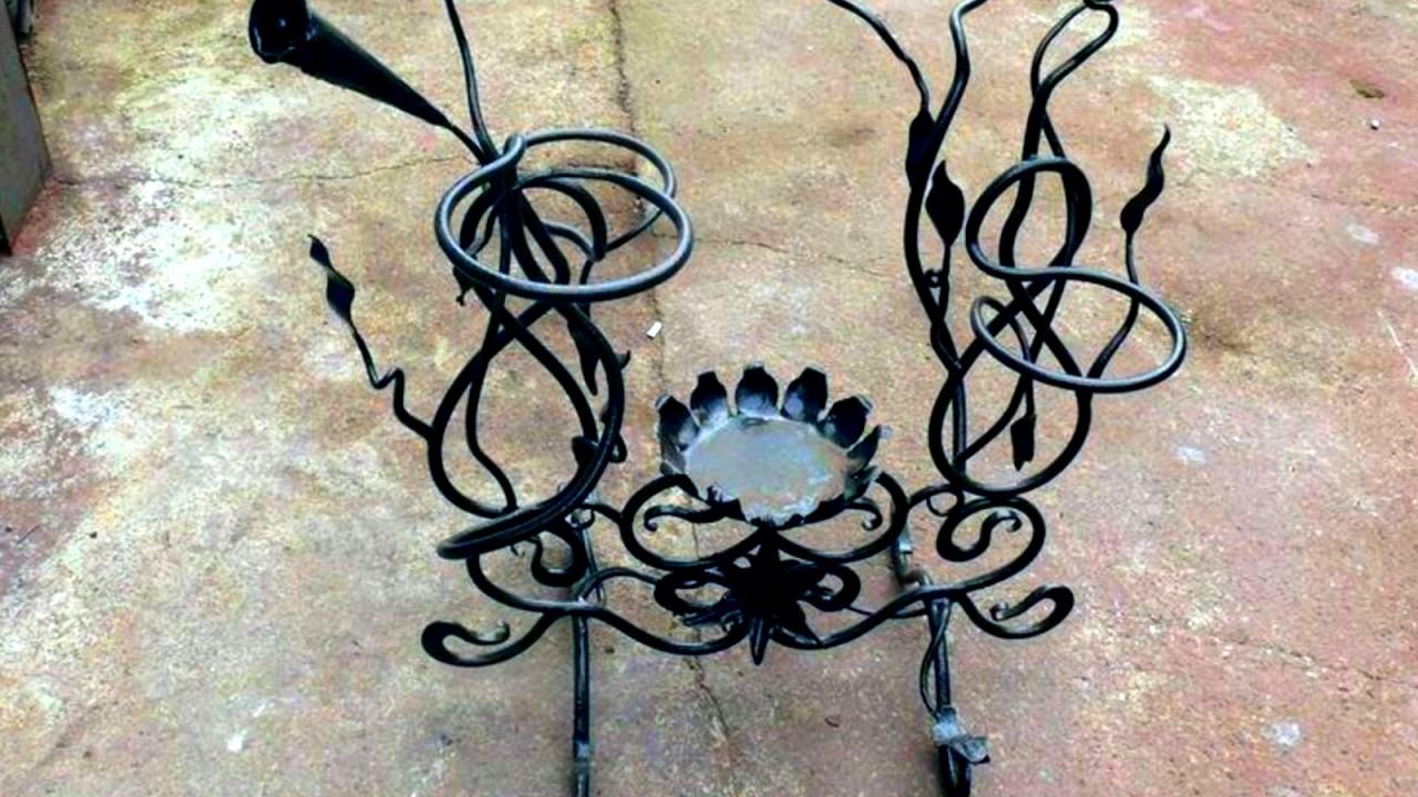 Изготовление напольных и настенных кованых вешалок методом ручной ковки по индивидуальному дизайну.