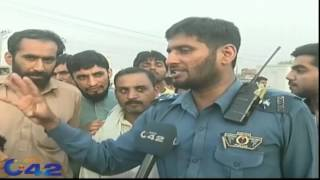 A Real Hero, Traffic Warden Stopped A Crazy Truck Driver Heroically in Lahore