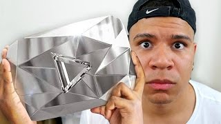 YOUTUBE SENT ME THE WRONG PLAY BUTTON WTF?!!