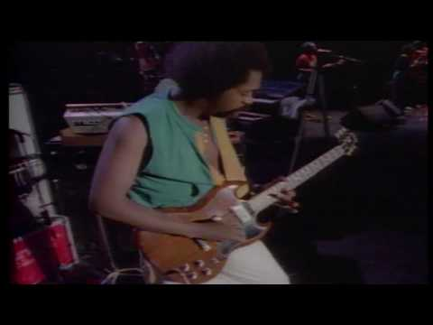Peter Tosh - Not Gonna Give It Up ( Live ) ( High Quality )