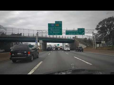 Paisagens da rodovia do outono americano. Boston-Massachusetts. 2017