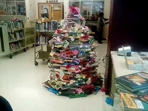 Christmas Tree Made Of Books At The Central Li Ry On South Avenue In Rochester New York