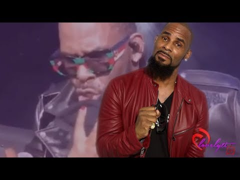 Concert Footage shows R. Kelly letting fans towel him off and grab his crotch 😐🙄
