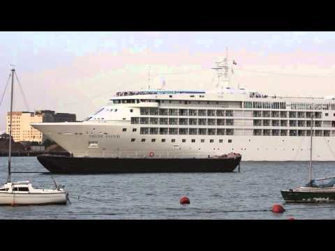 Ship video - Cruise ship Silver Cloud arriving in London