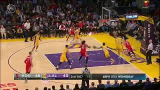 Lakers Survive for Walton's First Victory With the Lakers
