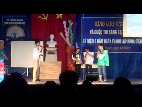 Màn chào hỏi cuộc thi sáng tạo sinh viên khoa điện tử 2011 - K44DVT