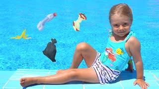 Anabella se comporta urat la piscina Istorioara educativa pentru copii