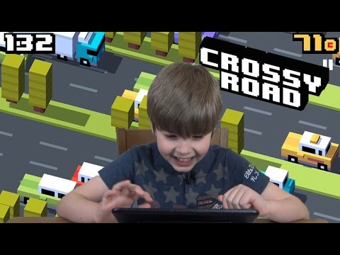 Playing Crossy Road (iPad/iOS/Tablet Gameplay Video) KID GAMING