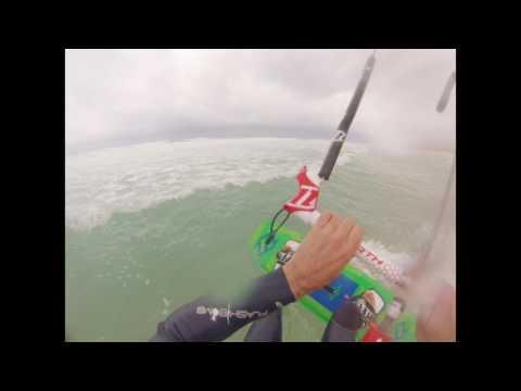 kite surfing in lacanau beach