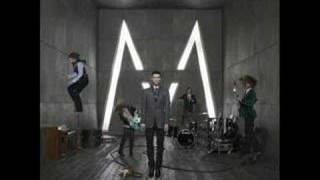 Watch Maroon 5 Not Falling Apart video