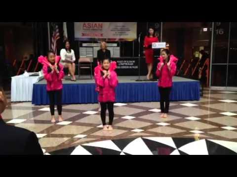 Chinese Mutual Aid Association Youth Fan Dance