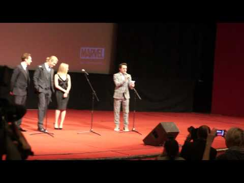 Robert Downey Jr. speaks Russian at the Avengers Moscow premiere