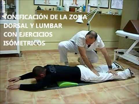 La curvatura de la columna vertebral del ejercicio para el tratamiento