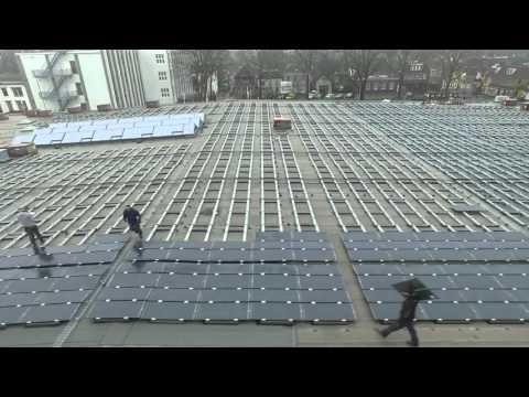 Gemeentehuis Zevenaar. Bouwfase zonnepanelen installatie. Thin film panelen Hanergy