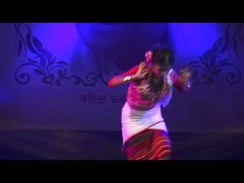 Pratidhani Sunu Moi... Bhupen Hazarika Song, Dance by Rodali Bora