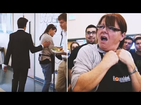 Cafeteria Worker's Tapped On Shoulder At Lunch - Turns And Discovers What The Students Did