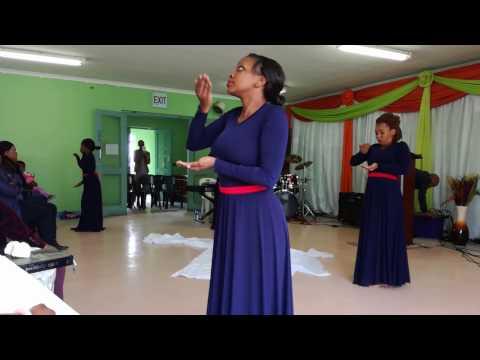 Benjamin Dube ft. Judith Sephuma- Oh give thanks (worship)