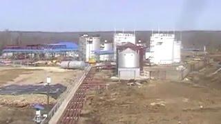 Нефтебаза подготовка к передвижению РВС 36 тонн ручными 1.5 тонными лебедками Я подымаю они уронили(Резервуары и технологическое оборудование Резервуары и технологическое оборудование - Подбор оборудова..., 2015-10-28T21:39:51.000Z)