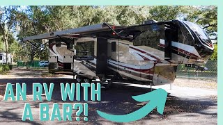 2020 GRAND DESIGN SOLITUDE 382WB WALKTHROUGH! (AN RV WITH A BAR? YES PLEASE!)