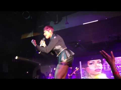 Live w/ American Idol Winner Fantasia