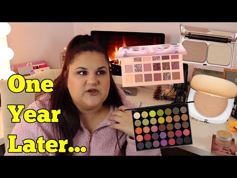 Reviewing Makeup I Got for Christmas Last Year! *Glowmas Day 2!* thumbnail