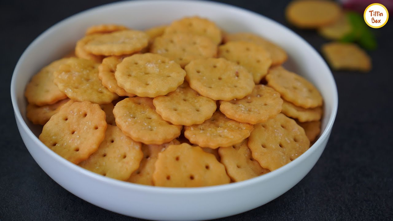 Salt Crackers/ Salt Cookies (Eggless & Without Butter) Recipe by Tiffin Box | Soda Saltine Crackers
