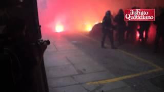 Bologna, scontri e feriti tra antagonisti e polizia per il comizio di Forza Nuova