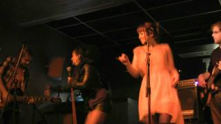 In The Basement-Jasmine Kara and the Rumours