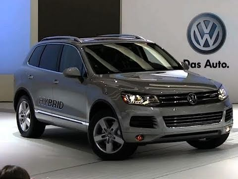 roadflytv 2011 volkswagen touareg hybrid suv youtube. Black Bedroom Furniture Sets. Home Design Ideas