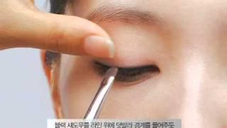 지속력 있는 아이라인 연출법_Long-lasting Eyeline