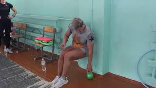 Качаем внутренние мышцы таза и убираем галифе