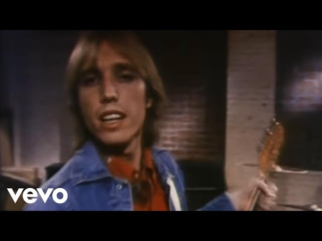 Tom Petty And The Heartbreakers - Refugee (Official Video)