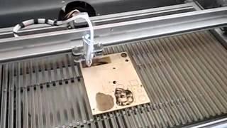 Лазерный режущий плоттер 40ватт(, 2015-10-11T09:23:40.000Z)