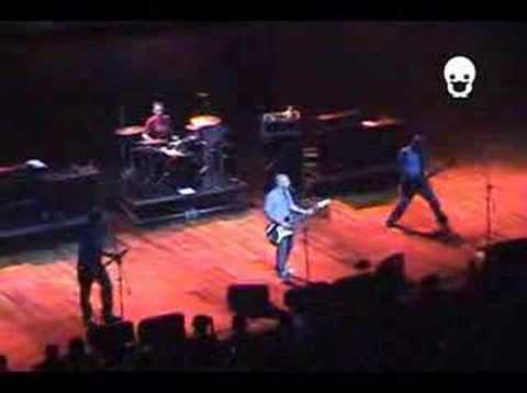Millencolin - Man or mouse [Live at Credicard Hall]