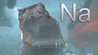 Натрий - металл, который взрывается в воде!
